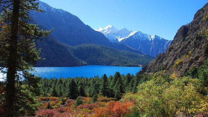 Another mesmerising view of Phoksundo lake